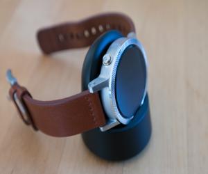 Умные часы Moto 360 второго поколения